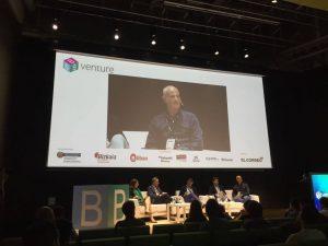 Mesa redonda en el evento B-Venture 2017